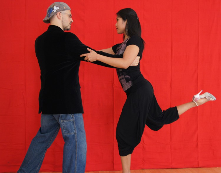 Free Latin Dancing Workshop @ CAC Sunday