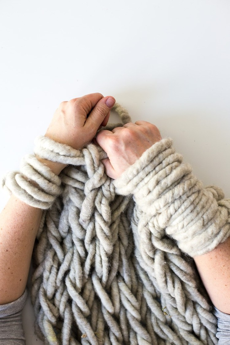 Intro to Arm Knitting This Afternoon